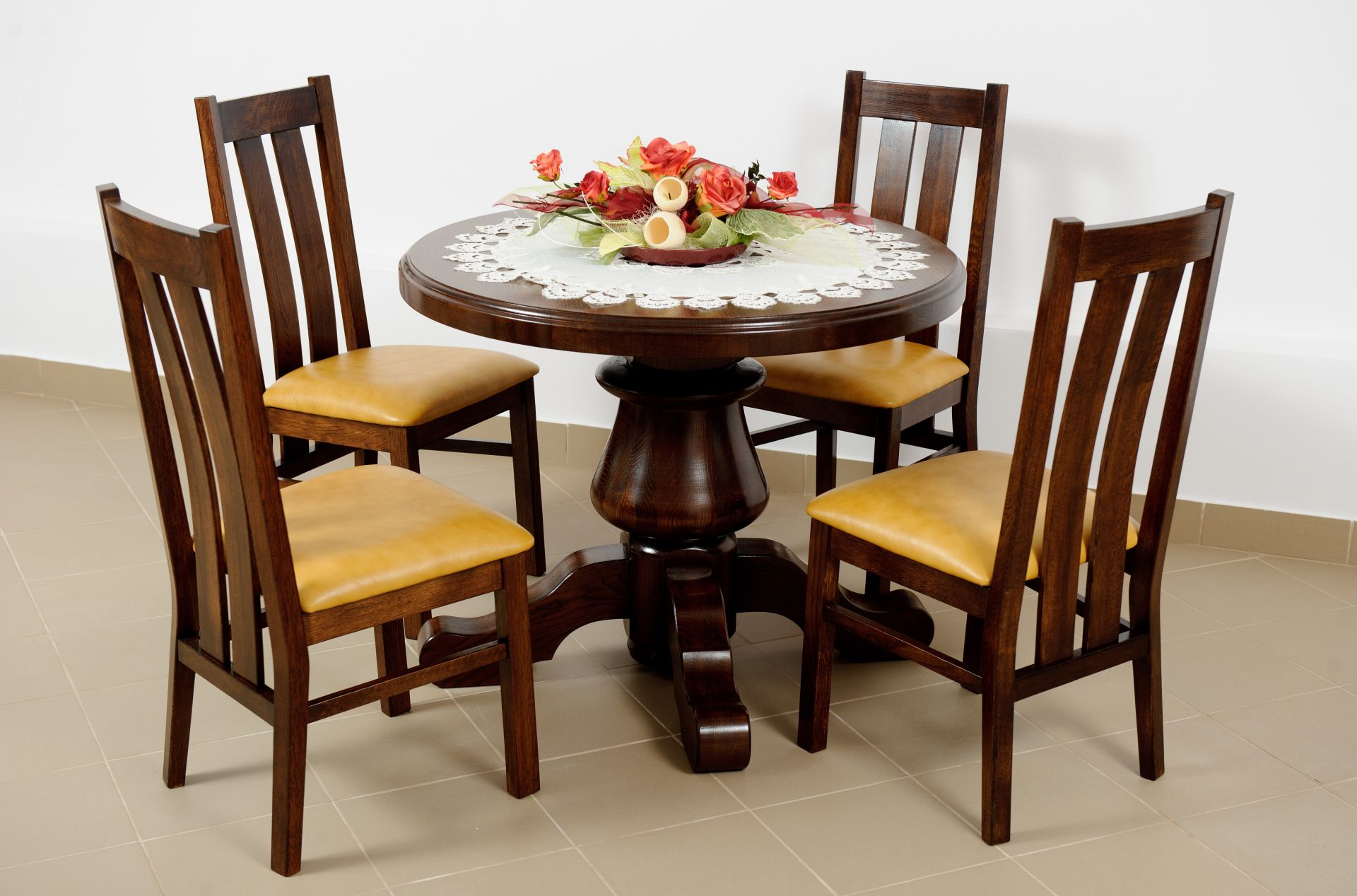 Dubový stůl kruhový jídelní