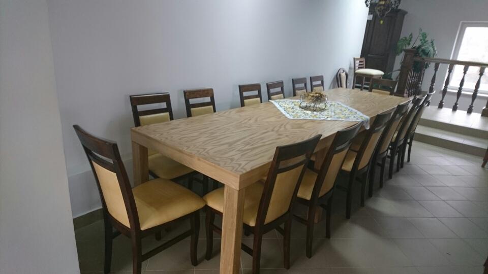 Dubový stůl zasedací